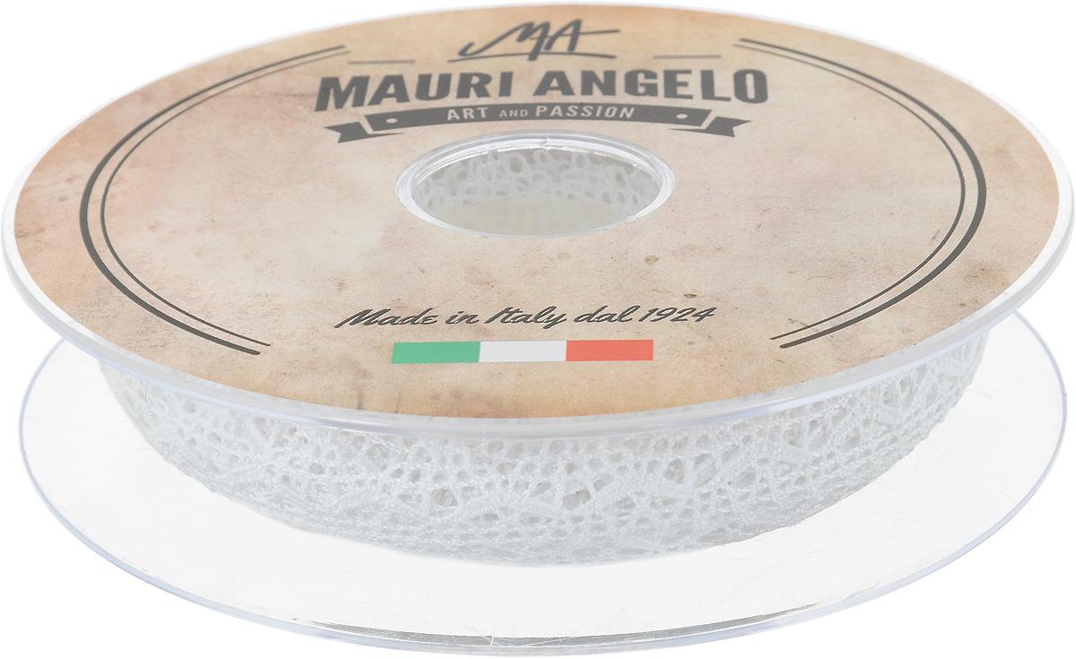 Лента кружевная Mauri Angelo, цвет: белый, 1,5 см х 20 мRSP-202SДекоративная кружевная лента Mauri Angelo - текстильное изделие без тканой основы, в котором ажурный орнамент и изображения образуются в результате переплетения нитей. Кружево применяется для отделки одежды, белья в виде окаймления или вставок, а также в оформлении интерьера, декоративных панно, скатертей, тюлей, покрывал. Главные особенности кружева - воздушность, тонкость, эластичность, узорность.Декоративная кружевная лента Mauri Angelo станет незаменимым элементом в создании рукотворного шедевра. Ширина: 1,5 см.Длина: 20 м.