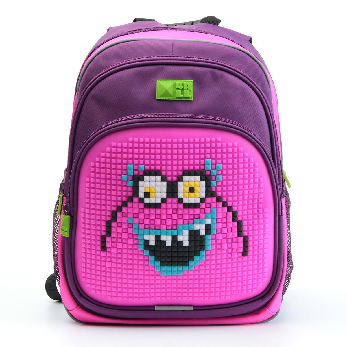 4ALL Рюкзак Kids цвет фиолетовый розовый72523WDРюкзак 4ALL - это одновременно яркий, функциональный школьный аксессуар и площадка длясамовыражения. Уникальные рюкзаки Kids имеют гипоаллергенную силиконовую панель иразноцветные мозаичные биты, с помощью которых на рюкзаке можно создавать графическиешедевры хоть каждый день!Модель выполнена из полиэстера с водоотталкивающейпропиткой. Рюкзак имеет 2 отделения, снаружи расположены 3 кармана (передний - на молнии,боковые - сетчатые). Система Air Comfort System обеспечивает свободную циркуляцию воздухамежду задней стенкой рюкзака и спиной ребенка. Система Ergo System служит равномерномураспределению нагрузки на спину ребенка, сохранению правильной осанки. Она способна сделатьрюкзак, наполненный учебниками, легким.Ортопедическая спинка как корсет поддерживаетпозвоночник, правильно распределяя нагрузку. Простая и удобная конструкция спины и лямокпозволяет использовать рюкзак даже деткам от 3-х лет.Светоотражающие вставки отвечаютза безопасность ребенка в темное время суток.В комплекте 1 упаковка разноцветныхпикселей-битов и инструкция для создания базовой картинки. Работа с мелкимибитами позволяет дополнительно развивать мелкую моторику рук малыша.