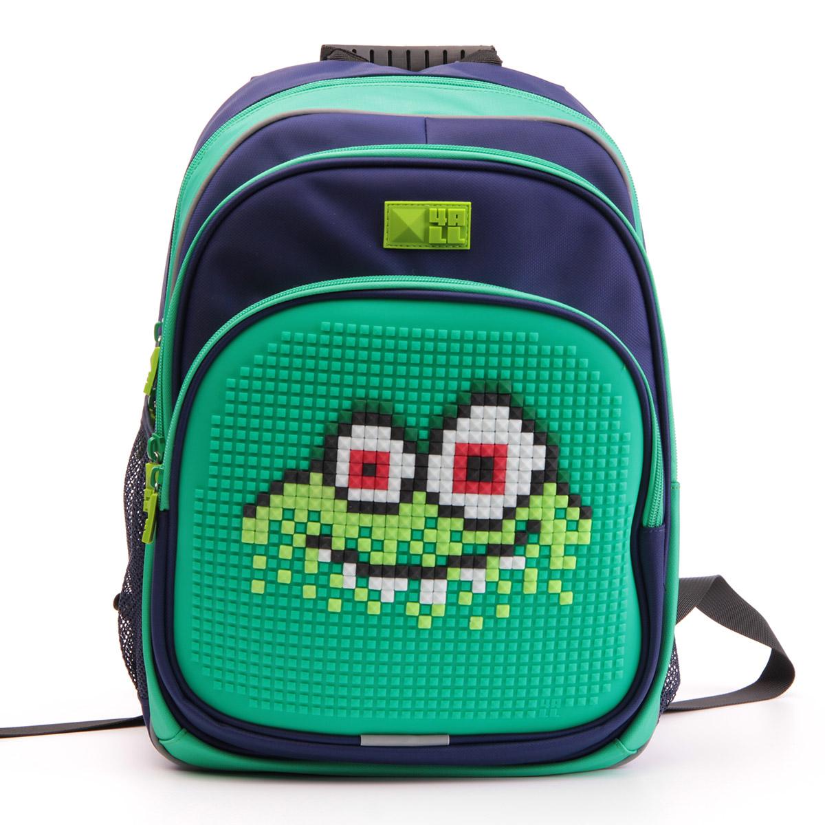 4ALL Рюкзак Kids цвет зеленый темно-синийRK61-11NРюкзак 4ALL - это одновременно яркий, функциональный школьный аксессуар и площадка для самовыражения. Уникальные рюкзаки Kids имеют гипоаллергенную силиконовую панель и разноцветные мозаичные биты, с помощью которых на рюкзаке можно создавать графические шедевры хоть каждый день!Модель выполнена из полиэстера с водоотталкивающей пропиткой. Рюкзак имеет 2 отделения, снаружи расположены 3 кармана (передний - на молнии, боковые - сетчатые). Система Air Comfort System обеспечивает свободную циркуляцию воздуха между задней стенкой рюкзака и спиной ребенка. Система Ergo System служит равномерному распределению нагрузки на спину ребенка, сохранению правильной осанки. Она способна сделать рюкзак, наполненный учебниками, легким.Ортопедическая спинка как корсет поддерживает позвоночник, правильно распределяя нагрузку. Простая и удобная конструкция спины и лямок позволяет использовать рюкзак даже деткам от 3-х лет.Светоотражающие вставки отвечают за безопасность ребенка в темное время суток.В комплекте 1 упаковка разноцветных пикселей-битов (300 штук) и инструкция для создания базовой картинки. Работа с мелкими битами позволяет дополнительно развивать мелкую моторику рук малыша.