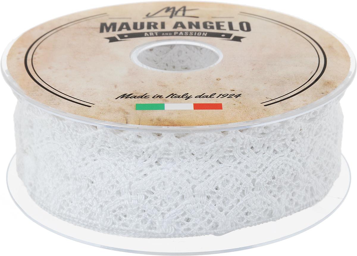 Лента кружевная Mauri Angelo, цвет: белый, 5 см х 10 мNLED-454-9W-BKДекоративная кружевная лента Mauri Angelo - текстильное изделие без тканой основы, в котором ажурный орнамент и изображения образуются в результате переплетения нитей. Кружево применяется для отделки одежды, белья в виде окаймления или вставок, а также в оформлении интерьера, декоративных панно, скатертей, тюлей, покрывал. Главные особенности кружева - воздушность, тонкость, эластичность, узорность.Декоративная кружевная лента Mauri Angelo станет незаменимым элементом в создании рукотворного шедевра. Ширина: 5 см.Длина: 10 м.