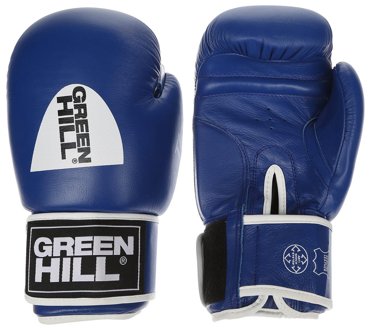 Перчатки боксерские Green Hill Tiger, цвет: синий, белый. Вес 14 унций. BGT-2010сAIRWHEEL M3-162.8Боевые боксерские перчатки Green Hill Tiger применяются как для соревнований, так и для тренировок. Верх выполнен из натуральной кожи, вкладыш - предварительно сформированный пенополиуретан. Манжет на липучке способствует быстрому и удобному надеванию перчаток, плотно фиксирует перчатки на руке. Отверстия в области ладони позволяют создать максимально комфортный терморежим во время занятий.В перчатках применяется технология антинокаут.