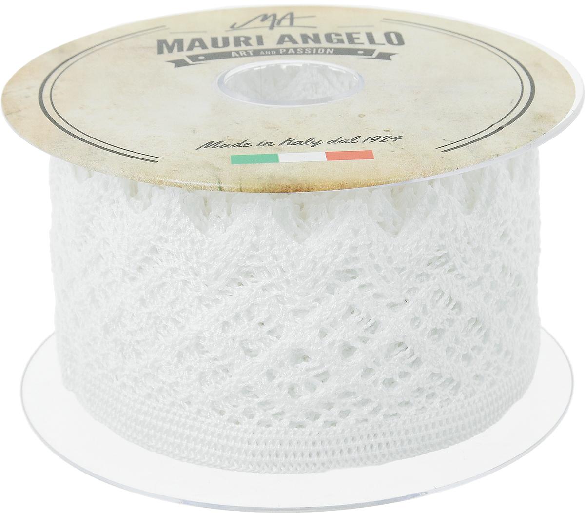 Лента кружевная Mauri Angelo, цвет: белый, 5,9 см х 10 мNLED-454-9W-BKДекоративная кружевная лента Mauri Angelo - текстильное изделие без тканой основы, в котором ажурный орнамент и изображения образуются в результате переплетения нитей. Кружево применяется для отделки одежды, белья в виде окаймления или вставок, а также в оформлении интерьера, декоративных панно, скатертей, тюлей, покрывал. Главные особенности кружева - воздушность, тонкость, эластичность, узорность.Декоративная кружевная лента Mauri Angelo станет незаменимым элементом в создании рукотворного шедевра. Ширина: 5,9 см.Длина: 10 м.
