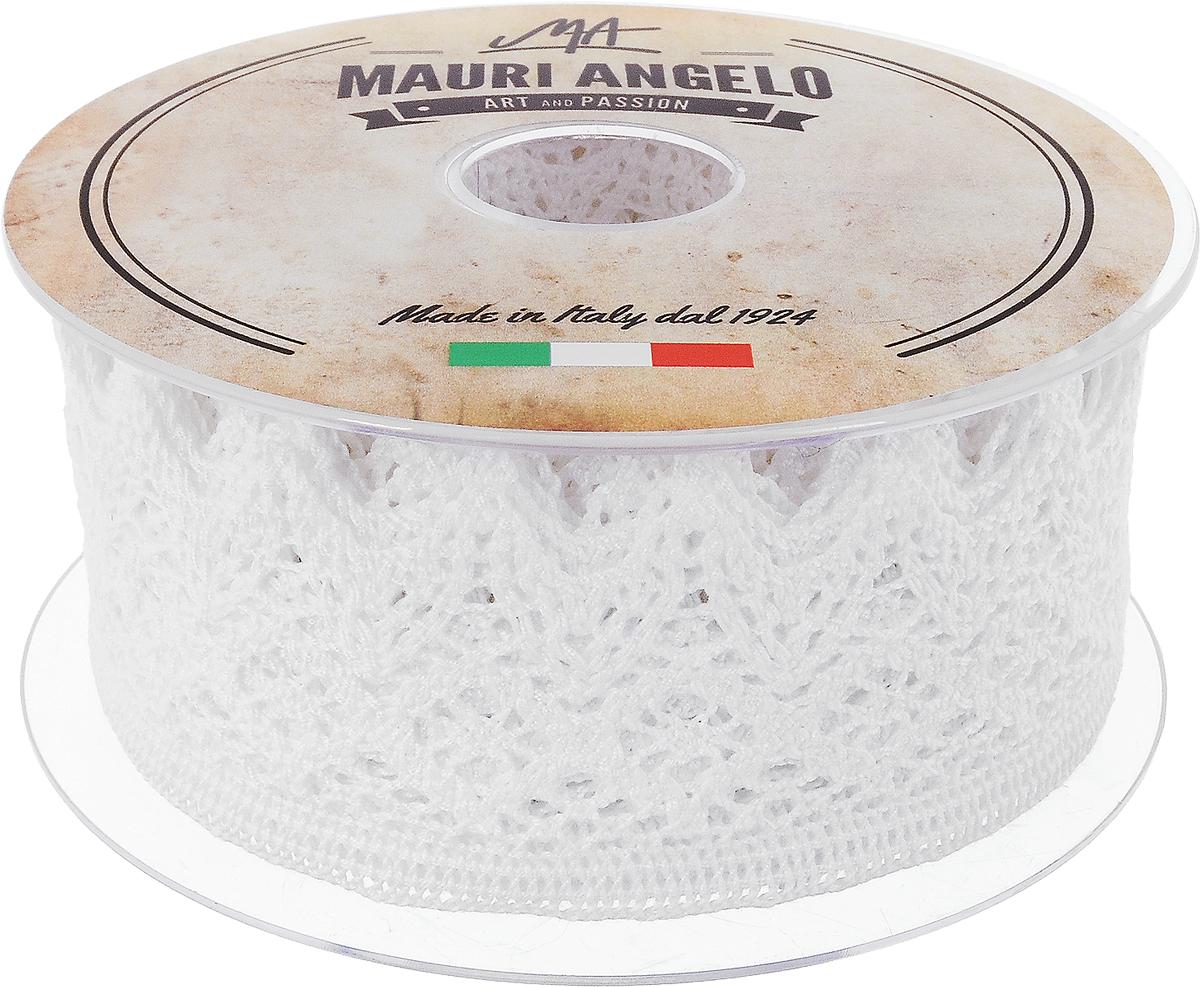 Лента кружевная Mauri Angelo, цвет: белый, 4,4 см х 10 мNLED-454-9W-BKДекоративная кружевная лента Mauri Angelo - текстильное изделие без тканой основы, в котором ажурный орнамент и изображения образуются в результате переплетения нитей. Кружево применяется для отделки одежды, белья в виде окаймления или вставок, а также в оформлении интерьера, декоративных панно, скатертей, тюлей, покрывал. Главные особенности кружева - воздушность, тонкость, эластичность, узорность.Декоративная кружевная лента Mauri Angelo станет незаменимым элементом в создании рукотворного шедевра. Ширина: 4,4 см.Длина: 10 м.