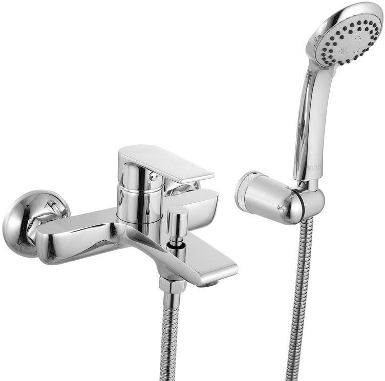 Смеситель для ванны Iddis Edifice, с коротким изливом, цвет: хром68/5/1Смеситель для ванны Iddis Edifice изготовлен из высококачественной первичной латуни, прочной, безопасной и стойкой к коррозии. Инновационные технологии литья и обработки латуни, а также увеличенная толщина стенок смесителя обеспечивают его стойкость к перепадам давления и температур. Увеличенное никель-хромовое покрытие полностью соответствует европейским стандартам качества, обеспечивает его стойкость и зеркальный блеск в течение всего срока службы изделия. Благодаря гладкой внутренней поверхности смесителя, рассекателям в водозапорных механизмах и аэратору он имеет минимальный уровень шума.Ручная фиксация дивертора позволяет комфортно принимать душ даже при низком давлении воды. Смеситель оборудован картриджем Kerox со специальной встроенной системой шумопоглощения, который обеспечивает долгий срок службы смесителя.Съемный пластиковый аэратор Neoperl гарантирует ровный и мягкий поток воды без брызг. Встроенный ограничитель потока оптимизирует расход воды без потери комфорта при использовании.В комплекте: лейка (3 режима) и шланг из нержавеющей стали длиной 1,5 м с защитой от перекручивания. Гарантия на смесители Iddis - 10 лет. Гарантия на лейку и шланг составляет 3 года.