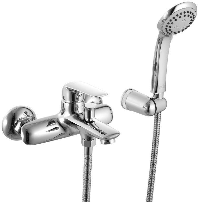 Смеситель для ванны Iddis Pond, с коротким изливом, цвет: хром68/5/1Смеситель для ванны Iddis Pond изготовлен из высококачественной первичной латуни, прочной, безопасной и стойкой к коррозии. Инновационные технологии литья и обработки латуни, а также увеличенная толщина стенок смесителя обеспечивают его стойкость к перепадам давления и температур. Увеличенное никель-хромовое покрытие полностью соответствует европейским стандартам качества, обеспечивает его стойкость и зеркальный блеск в течение всего срока службы изделия. Благодаря гладкой внутренней поверхности смесителя, рассекателям в водозапорных механизмах и аэратору он имеет минимальный уровень шума.Ручная фиксация дивертора позволяет комфортно принимать душ даже при низком давлении воды. Картридж Softap обеспечивает особую плавность хода ручки смесителя – для точной регулировки температуры и напора воды.Съемный пластиковый аэратор Neoperl гарантирует ровный и мягкий поток воды без брызг. Встроенный ограничитель потока оптимизирует расход воды без потери комфорта при использовании.В комплеке: лейка (3 режима) и шланг из нержавеющей стали длиной 1,5 м с защитой от перекручивания. Гарантия на смесители Iddis - 10 лет. Гарантия на лейку и шланг составляет 3 года.