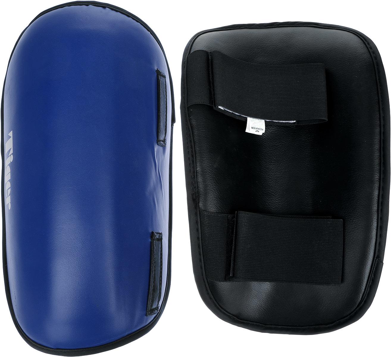 Защита голени Green Hill Tiger, цвет: синий, белый. Размер S. SPT-2123N.MS.34.023.LGЗащита голени Green Hill Tiger с наполнителем, выполненным из вспененного полимера, необходима при занятиях спортом для защиты суставов от вывихов, ушибов и прочих повреждений. Накладки выполнены из высококачественной натуральной кожи. Закрепляются на ноге при помощи эластичных лент и липучек.Длина голени: 29 см.Ширина голени: 17 см.