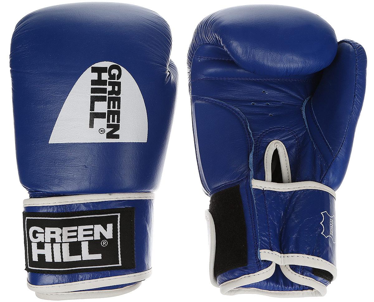 Перчатки боксерскиеGreen Hill Tiger Aiba, цвет: синий, белый. Вес 10 унций. BGT-2010аBB1637Боевые боксерские перчатки Green Hill Tiger Aiba применяются как для соревнований, так и для тренировок. Верх выполнен из натуральной кожи, вкладыш - предварительно сформированный пенополиуретан. Манжет на липучке способствует быстрому и удобному надеванию перчаток, плотно фиксирует перчатки на руке. Отверстия в области ладони позволяют создать максимально комфортный терморежим во время занятий.