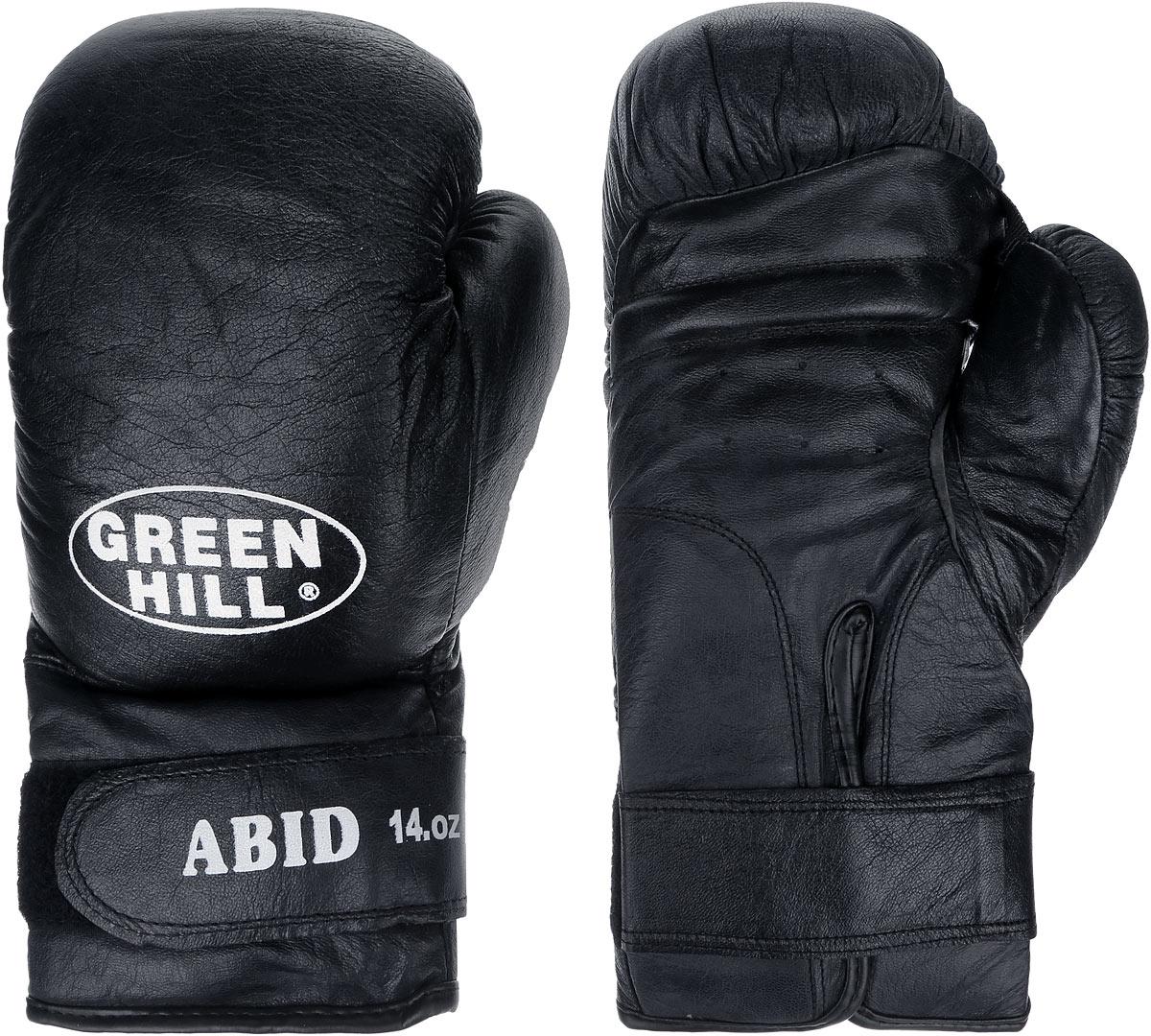 Перчатки боксерские Green Hill Abid, цвет: черный, белый. Вес 14 унцийAIBAG1Боксерские тренировочные перчатки Green Hill Abid выполнены из натуральной кожи. Они отлично подойдут для начинающих спортсменов. Мягкий наполнитель из очеса предотвращает любые травмы. Отверстия в районе ладони обеспечивают вентиляцию. Широкий ремень, охватывая запястье, полностью оборачивается вокруг манжеты, благодаря чему создается дополнительная защита лучезапястного сустава от травмирования. Застежка на липучке способствует быстрому и удобному одеванию перчаток, плотно фиксирует перчатки на руке.