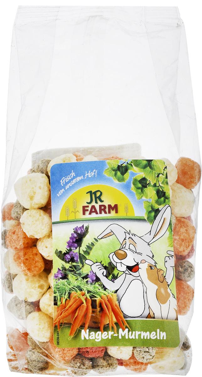 Лакомство для грызунов JR Farm Шарики из овощей и люцерны, 70 гА53516Лакомство для грызунов JR Farm Шарики из овощей и люцерны - цветные, круглые и хрустящие шарики для грызунов. Оранжевые - морковь, красные - свекла, зеленые - люцерна, желтые - кукуруза. В зависимости от размера животного можно давать до 5 шариков в день в чистом виде или подмешивать в корм. Дополнительный корм для домашних кроликов, морских свинок, крыс, хомяков, мышей и шиншилл.Состав: кукуруза 95,6%, люцерна 2,5%, морковь 1,2%, свекла.Пищевая ценность: протеин 9,5%, жиры 3,2%, клетчатка 3,5%, зола 1,7%.Вес упаковки: 70 г.