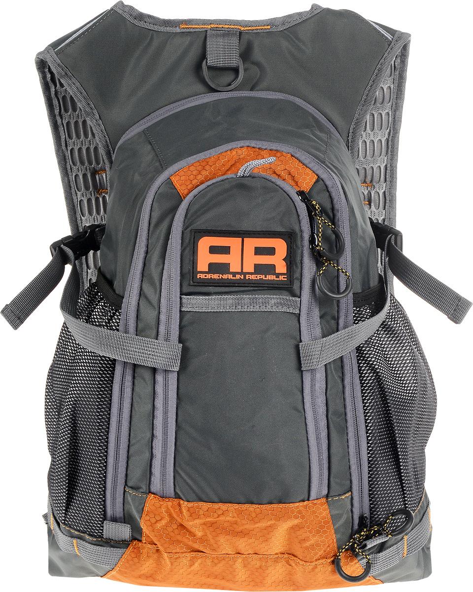 Рюкзак Adrenalin Republic Backpack L, цвет: оранжевый, серый, 25 л80767Adrenalin Republic Backpack L - небольшой, но удобный рюкзак, который придется по душе начинающим рыболовам, женщинам и детям.Собрались на продолжительную рыбалку? Подвесная система рюкзака Adrenalin Republic Backpack L не стесняет маневренность, а при помощи быстрой регулировки длины плечевых лямок вы равномерно распределите переносимый вес. Оригинальный дизайн, износостойкие материалы и удобная конструкция означают комфорт и незабываемые дни, проведенные на рыбалке.