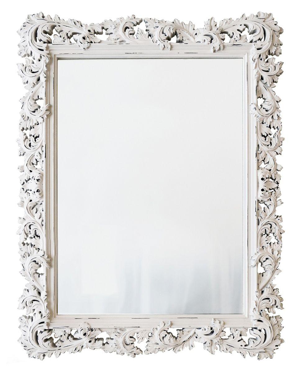 Зеркало VezzoLLi Алиана, цвет: белый, 115 х 88 см15-05Зеркало выкрашено в стиле Шебби Шик - с потертостями. Ручная работа. С обратной стороны зеркало снабжено тремя металлическими подвесами для возможности разместить его и вертикально и горизонтально.