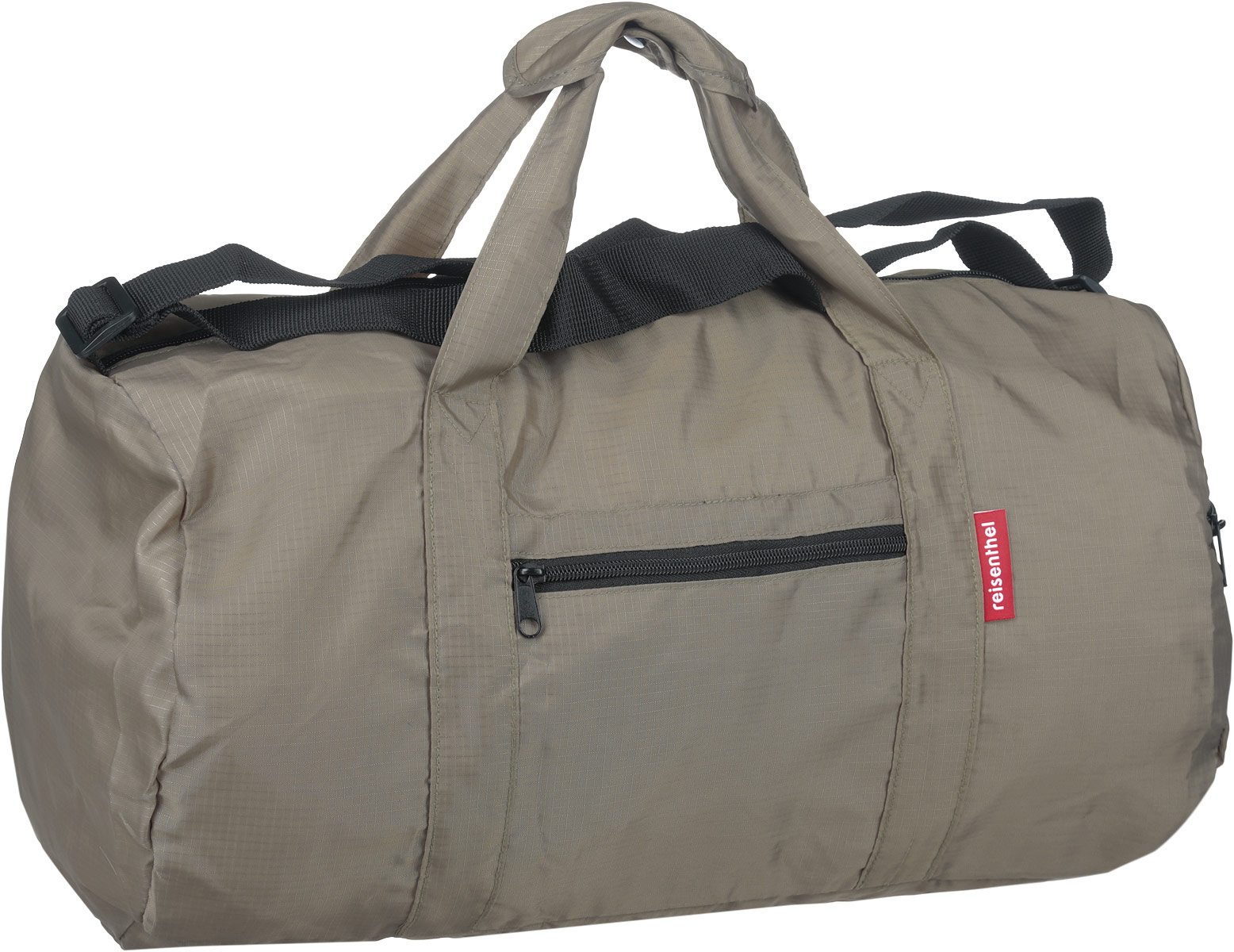 Сумка дорожная Reisenthel, складная, цвет: серо-оливковый. AM7031ГризлиСтильная дорожная сумка Reisenthel выполнена из текстиля. Изделие имеет одно отделение, которое закрывается на застежку-молнию. Внутри находится нашивной карман на застежке-молнии, в который изделие легко складывается. Снаружи, на передней стенке и сбоку расположены два накладных кармана на застежках-молниях. Сумка оснащена двумя удобными ручками и регулируемым наплечным ремнем.