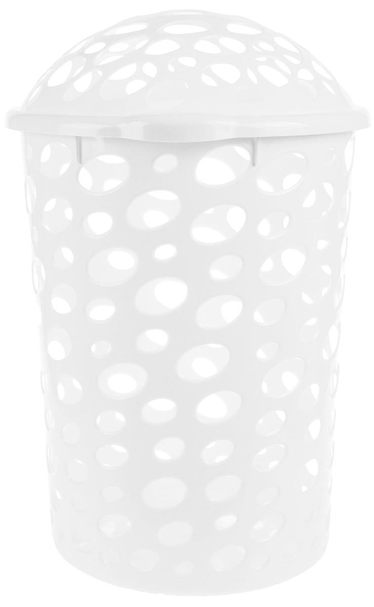 Корзина для белья Альтернатива Сорренто, цвет: белый, 45 л391602Корзина для белья Альтернатива Сорренто изготовлена из прочного пластика и декорирована перфорацией. Корзина устойчива к перепадам температур и влажности, поэтому идеально подходит для ванной комнаты. Изделие оснащено двумя боковыми ручками и крышкой. Можно использовать для хранения белья, детских игрушек, домашней обуви и прочих бытовых вещей. Элегантный дизайн подойдет к интерьеру любой ванной.Высота корзины (с учетом крышки): 57 см.