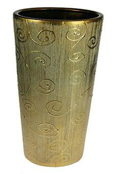 Ваза Русские Подарки, высота 40 см. 14624FS-80418Ваза Русские Подарки, выполненная из керамики, украсит интерьер вашего дома или офиса. Оригинальный дизайн и красочное исполнение создадут праздничное настроение.Такая ваза подойдет и для цветов, и для декора интерьера. Кроме того - это отличный вариант подарка для ваших близких и друзей.Правила ухода: регулярно вытирать пыль сухой, мягкой тканью. Размер вазы: 18 х 18 х 40 см.