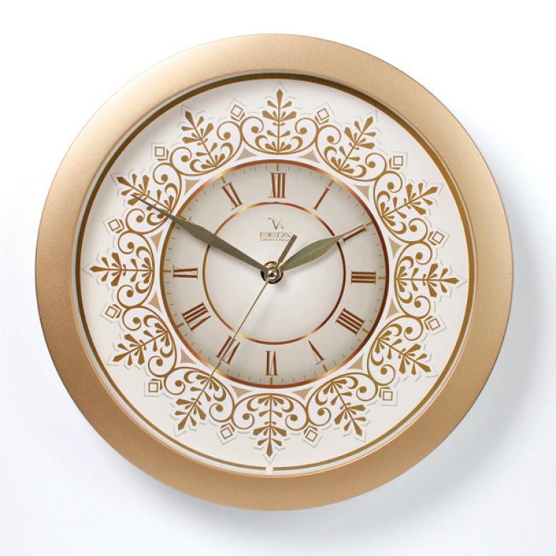 Часы настенные Вега Золотые узорыП1-8/7-230Оригинальные настенные часы круглой формы Вега Золотые узоры выполнены из пластика. Часы имеют три стрелки - часовую, минутную и секундную. Необычное дизайнерское решение и качество исполнения придутся по вкусу каждому. Оформите свой дом таким интерьерным аксессуаром или преподнесите его в качестве презента друзьям, и они оценят ваш оригинальный вкус и неординарность подарка.Часы работают от 1 батарейки типа АА напряжением 1,5 В (в комплект не входит).