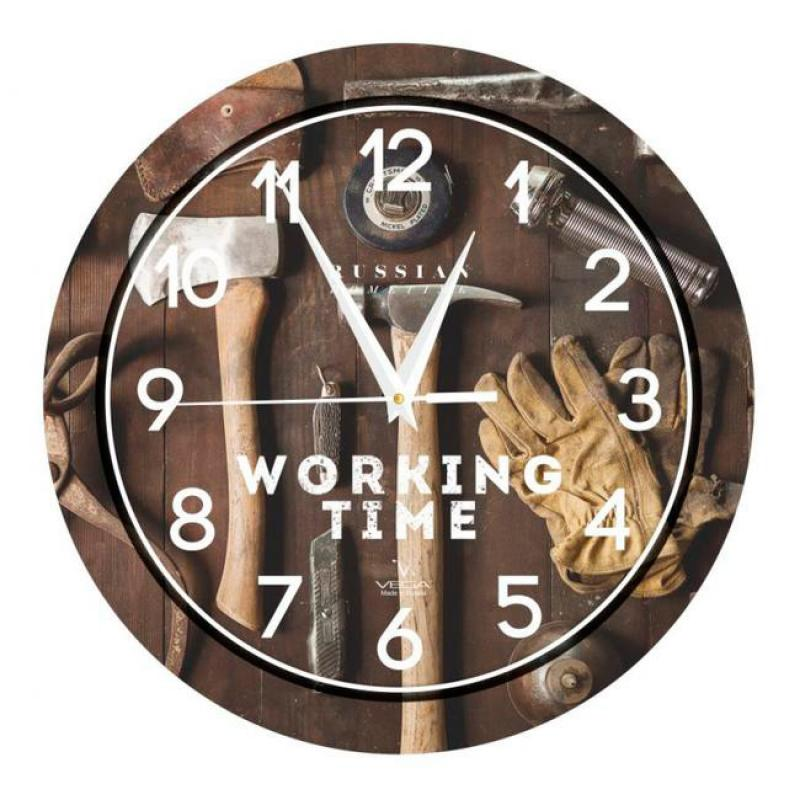 Часы настенные Вега Мастерская94672Оригинальные настенные часы круглой формы Вега Мастерская выполнены из пластика. Часы имеют три стрелки - часовую, минутную и секундную. Необычное дизайнерское решение и качество исполнения придутся по вкусу каждому. Оформите свой дом таким интерьерным аксессуаром или преподнесите его в качестве презента друзьям, и они оценят ваш оригинальный вкус и неординарность подарка.Часы работают от 1 батарейки типа АА напряжением 1,5 В (в комплект не входит).