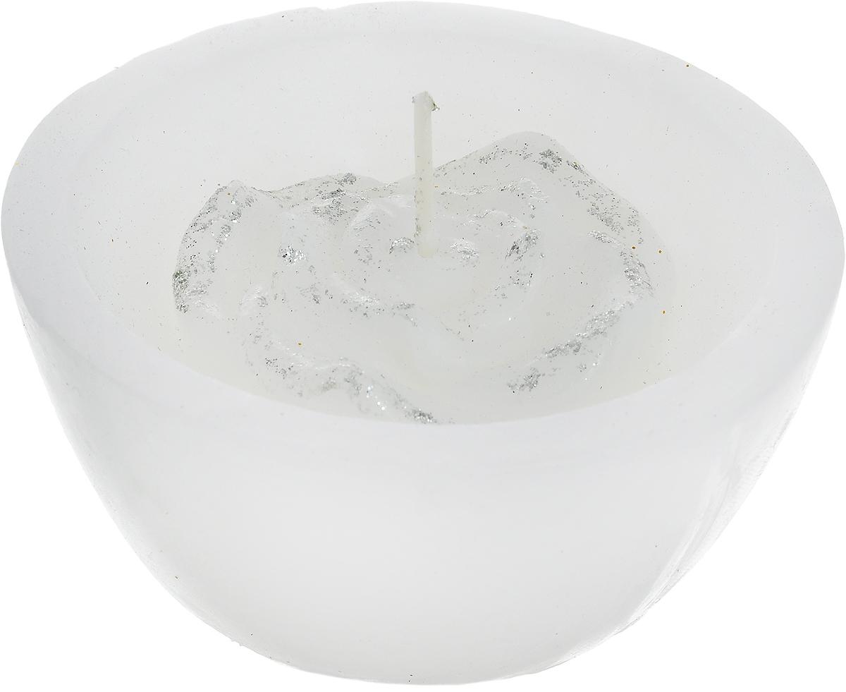 Свеча декоративная Lovemark Роза, цвет: белый, серебристый, диаметр 8 смБрелок для ключейСвеча Lovemark Роза, изготовленная из высококачественного парафина, станет прекрасным украшением интерьера помещения. Изделие украшено сверкающими блестками.Такая свеча создаст атмосферу таинственности и загадочности и наполнит ваш дом волшебством и ощущением праздника. Хороший сувенир для друзей и близких.