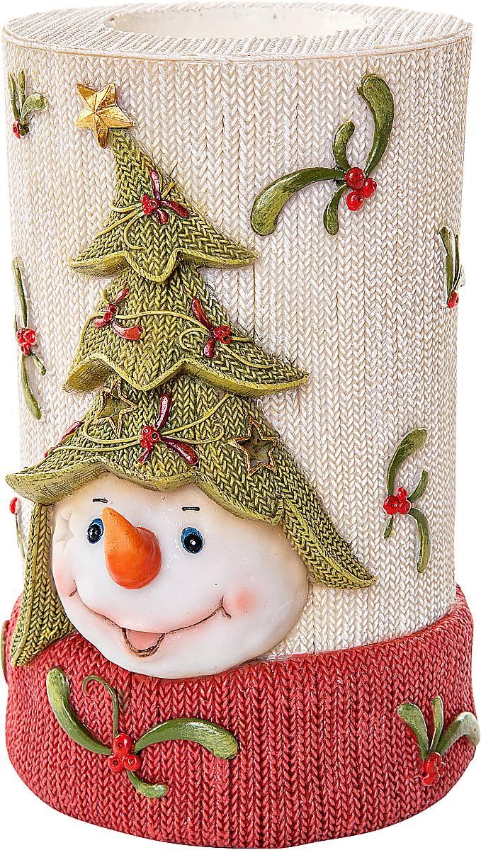 Подсвечник Mister Christmas Снеговик, высота 12 см103926110389Подсвечник Mister Christmas Снеговик выполнен из полистоуна и оснащен углублением для чайной свечи. Оригинальный дизайн и красочное исполнение создадут праздничное настроение. Вы можете поставить такой подсвечник в любом месте, где он будет удачно смотреться, и радовать глаз. Кроме того такой он станет отличным вариант подарка для ваших близких и друзей в преддверии Нового года.