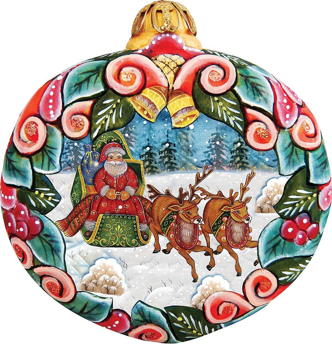 Украшение новогоднее подвесное Mister Christmas, высота 10 см. US 610313SM-25AКоллекционное украшение Mister Christmas прекрасно подойдет для праздничного декора вашего дома. Изделие выполнено из полистоуна и креплением для подвешивания на елку. Новогодние украшения несут в себе волшебство и красоту праздника. Они помогут вам украсить дом к предстоящим праздникам и оживить интерьер. Создайте в доме атмосферу тепла, веселья и радости, украшая его всей семьей.Кроме того, такая игрушка станет приятным подарком, который надолго сохранит память этого волшебного времени года.Высота украшения: 10 см.