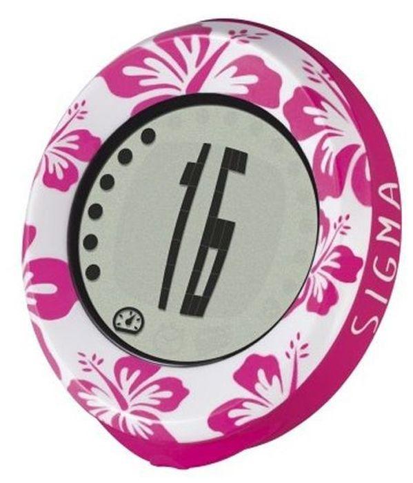 Велокомпьютер Sigma MySpeedy Aloha ATS, 4 функцииBCP-22Велокомпьютер Sigma Sport MySpeedy – это новая серия, которая обладает уникальным стилем, ярким красочным дизайном. Управление производится всего лишь одной кнопкой, меню простое и понятное. Компьютер оснащен только основными, необходимыми для обычного катания функциями.Функции: Текущая скорость Время поездки Преодоленное расстояние (за поездку) Суммарный пробегХарактеристики: Легкочитаемые символы Простое управление одной кнопкой Установка на велосипед без инструментов Беспроводная передача сигнала Водонепроницаемый корпус (IPX7)