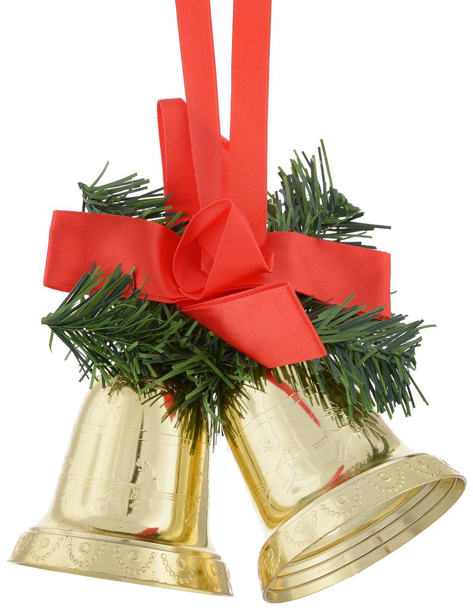 Украшение новогоднее подвесное Lovemark Колокольчики192810203Украшение новогоднее подвесное Lovemark Колокольчики прекрасно подойдет для праздничного декора новогодней ели и украшения интерьера. Изделие выполнено из пластика в виде золотых колокольчиков, дополнено искусственными еловыми веточками и красным атласным бантом. Елочная игрушка - символ Нового года. Она несет в себе волшебство и красоту праздника. Создайте в своем доме атмосферу веселья и радости, украшая новогоднюю елку нарядными игрушками, которые будут из года в год накапливать теплоту воспоминаний. Откройте для себя удивительный мир сказок и грез. Почувствуйте волшебные минуты ожидания праздника, создайте новогоднее настроение вашим дорогим и близким.