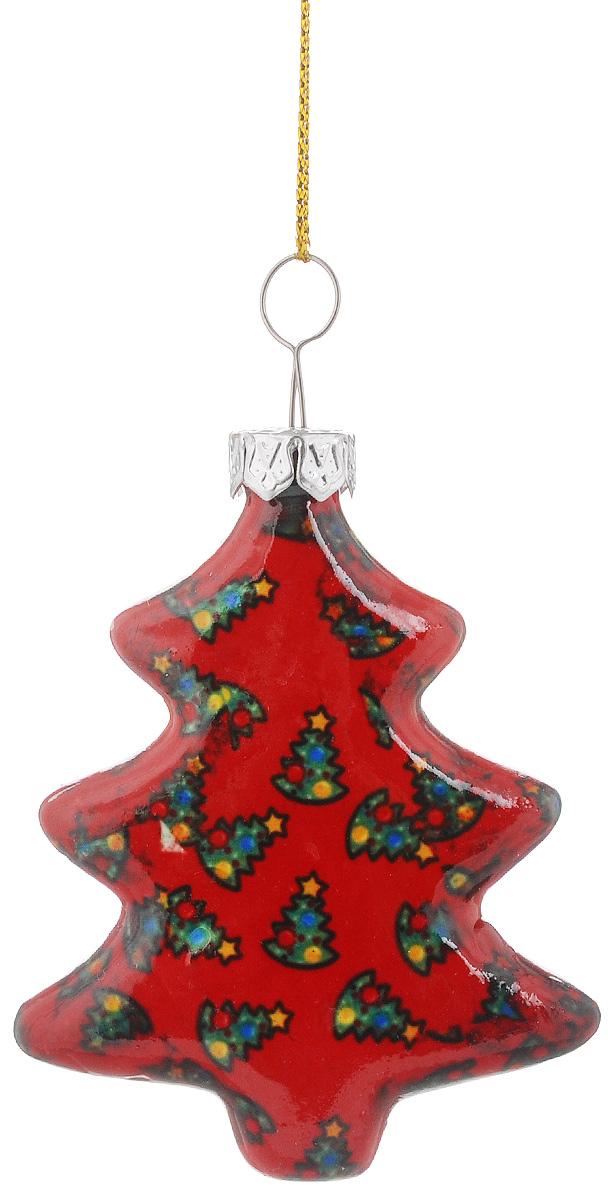Украшение новогоднее подвесное Lillo Елочка, высота 6 смRSP-202SНовогоднее подвесное украшение Lillo Елочка выполнено из керамики в форме кубика. С помощью специальной петельки украшение можно повесить в любом понравившемся вам месте. Но, конечно, удачнее всего оно будет смотреться на праздничной елке. Елочная игрушка - символ Нового года. Она несет в себе волшебство и красоту праздника. Создайте в своем доме атмосферу веселья и радости, украшая новогоднюю елку нарядными игрушками, которые будут из года в год накапливать теплоту воспоминаний.