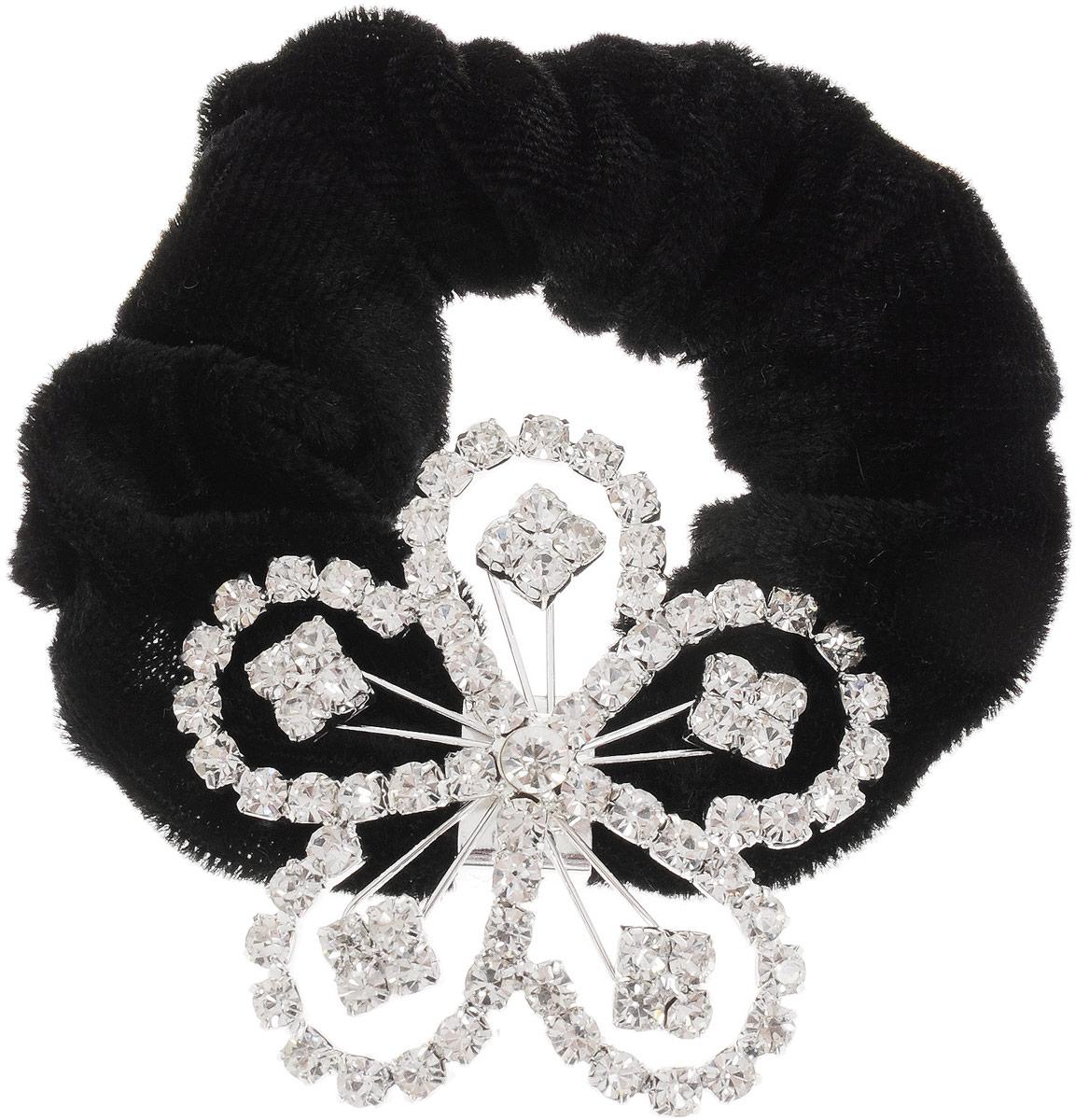 Резинка для волос Fashion House, цвет: серебристый, черный. FH33178Серьги с подвескамиРезинка для волос Fashion House изготовлена из текстиля и дополнена металлическим декоративным элементом, выполненным в виде цветка, оформленного стразами. Изделие надежно зафиксирует волосы и завершит образ.