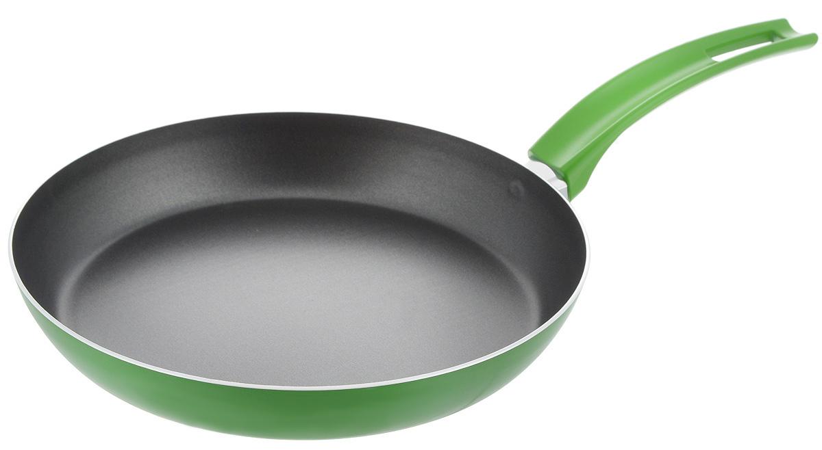 Сковорода Scovo Citrus Lime, с антипригарным покрытием. Диаметр 26 см54 009312Сковорода Scovo Citrus Lime выполнена из алюминия и имеет антипригарное покрытие. Покрытие исключает прилипание и пригорание пищи к поверхности посуды, обеспечивает легкость мытья посуды, исключает необходимость использования большого количества масла, что способствует приготовлению здоровой пищи с пониженной калорийностью.Сковорода оснащена пластиковой ручкой, благодаря чему она удобно уместится в руке и не выскользнет.Сковорода подходит для газовых, электрических и стеклокерамических плит. Также ее можно мыть в посудомоечной машине. Диаметр сковороды: 26 см. Высота стенки: 4 см. Длина ручки: 19 см.