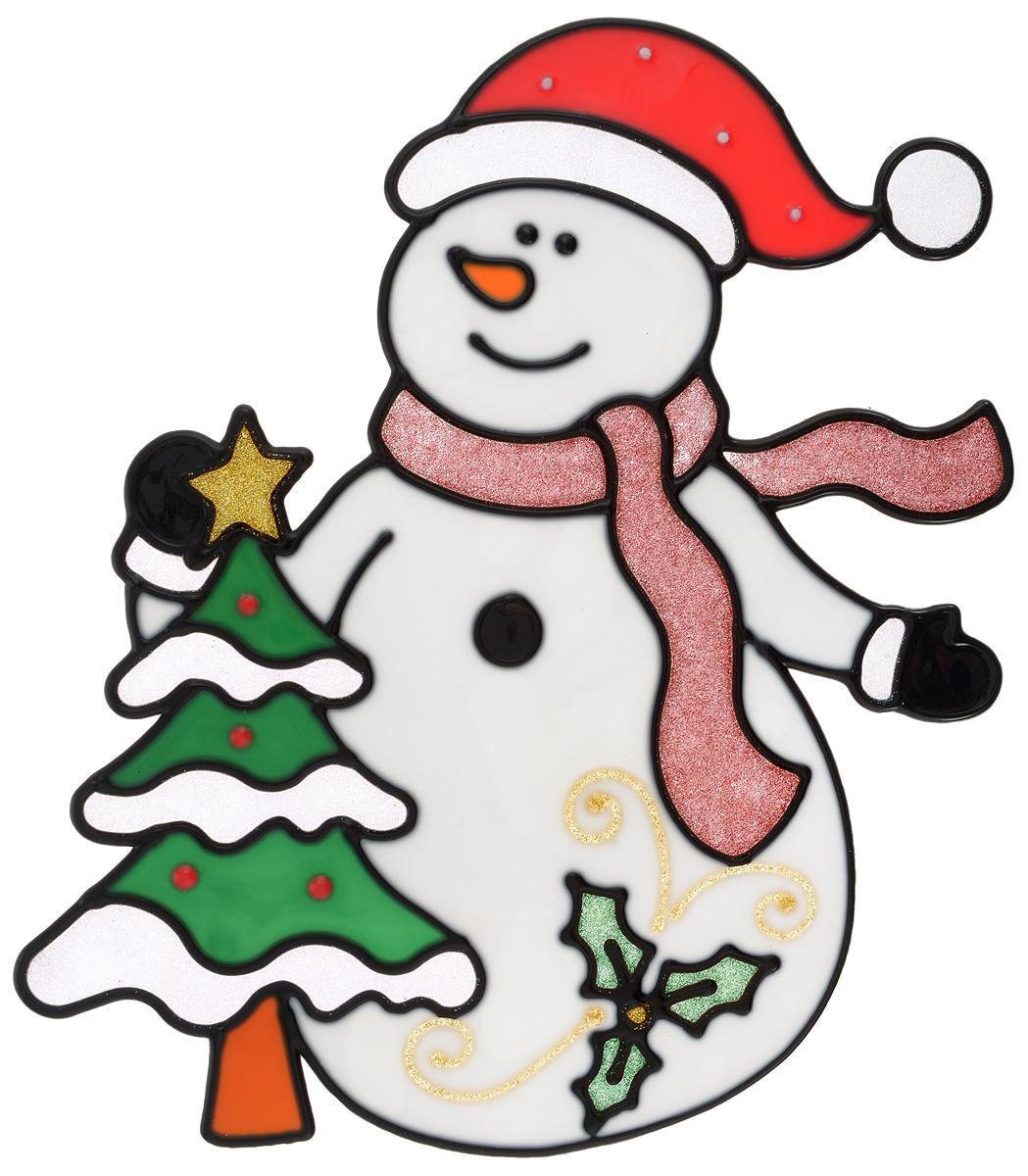 Новогоднее оконное украшение Winter Wings Снеговик с елкой, 21 х 24 см170847Новогоднее оконное украшение Winter Wings Снеговик с елкой выполнено из геля.С помощью наклейки Winter Wings Снеговик с елкой можно составлять на стекле целые зимние сюжеты, которые будут радовать глаз, и поднимать настроение в праздничные дни! Так же Вы можете преподнести этот сувенир в качестве мини-презента коллегам, близким и друзьям с пожеланиями счастливого Нового Года!