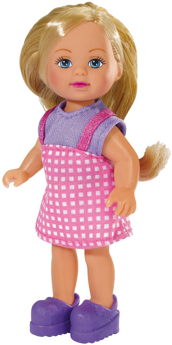 """Кукла Simba """"Еви в летней одежде"""" порадует любую девочку и надолго увлечет ее. Малышка Еви одета в чудесный летний наряд, на ногах у нее - ботиночки. Вашей дочурке непременно понравится заплетать длинные белокурые волосы куклы, придумывая разнообразные прически. Руки, ноги и голова куклы подвижны, благодаря чему ей можно придавать разнообразные позы. Игры с куклой способствуют эмоциональному развитию, помогают формировать воображение и художественный вкус, а также разовьют в вашей малышке чувство ответственности и заботы. Великолепное качество исполнения делают эту куколку чудесным подарком к любому празднику. Уважаемые клиенты! Обращаем ваше внимание на ассортимент в дизайне товара. Поставка возможна в одном из вариантов нижеприведенных дизайнов, в зависимости от наличия на складе."""