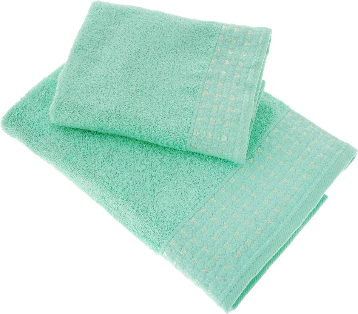 Набор полотенец Tete-a-Tete Сердечки, цвет: бирюзовый, 2 шт. УНП-104S03301004Набор Tete-a-Tete Сердечки состоит из двух махровых полотенец, выполненных из натурального 100% хлопка. Бордюр полотенец декорирован сердечками и горошком. Изделия мягкие, отлично впитывают влагу, быстро сохнут, сохраняют яркость цвета и не теряют форму даже после многократных стирок. Полотенца Tete-a-Tete Сердечки очень практичны и неприхотливы в уходе. Они легко впишутся в любой интерьер благодаря своей нежной цветовой гамме.
