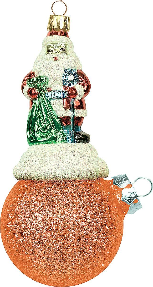 Украшение новогоднее подвесное Mister Christmas Дед Мороз на шаре, цвет: оранжевый, длина 11 см. BD 60-409PM-43-6Подвесное украшение Mister Christmas Дед Мороз на шаре представляет собой весьма оригинальную елочную игрушку 2 в 1. Это и классический елочный шар, и миниатюрная фигурка Деда Мороза. Изделие выполнено из качественного пластика и отличается прочностью и безопасностью. Матовые краски, блестки, крепления - все эти элементы декора долгие годы будут поддерживать идеальное состояние елочной игрушки. Украшение Mister Christmas Дед Мороз на шаре - это не просто классическая елочная игрушка. Оно может стать элементом праздничного декора, если установить на специальной подставке. В любом случае такая игрушка будет привлекать внимание и создавать праздничную атмосферу в доме или офисе.