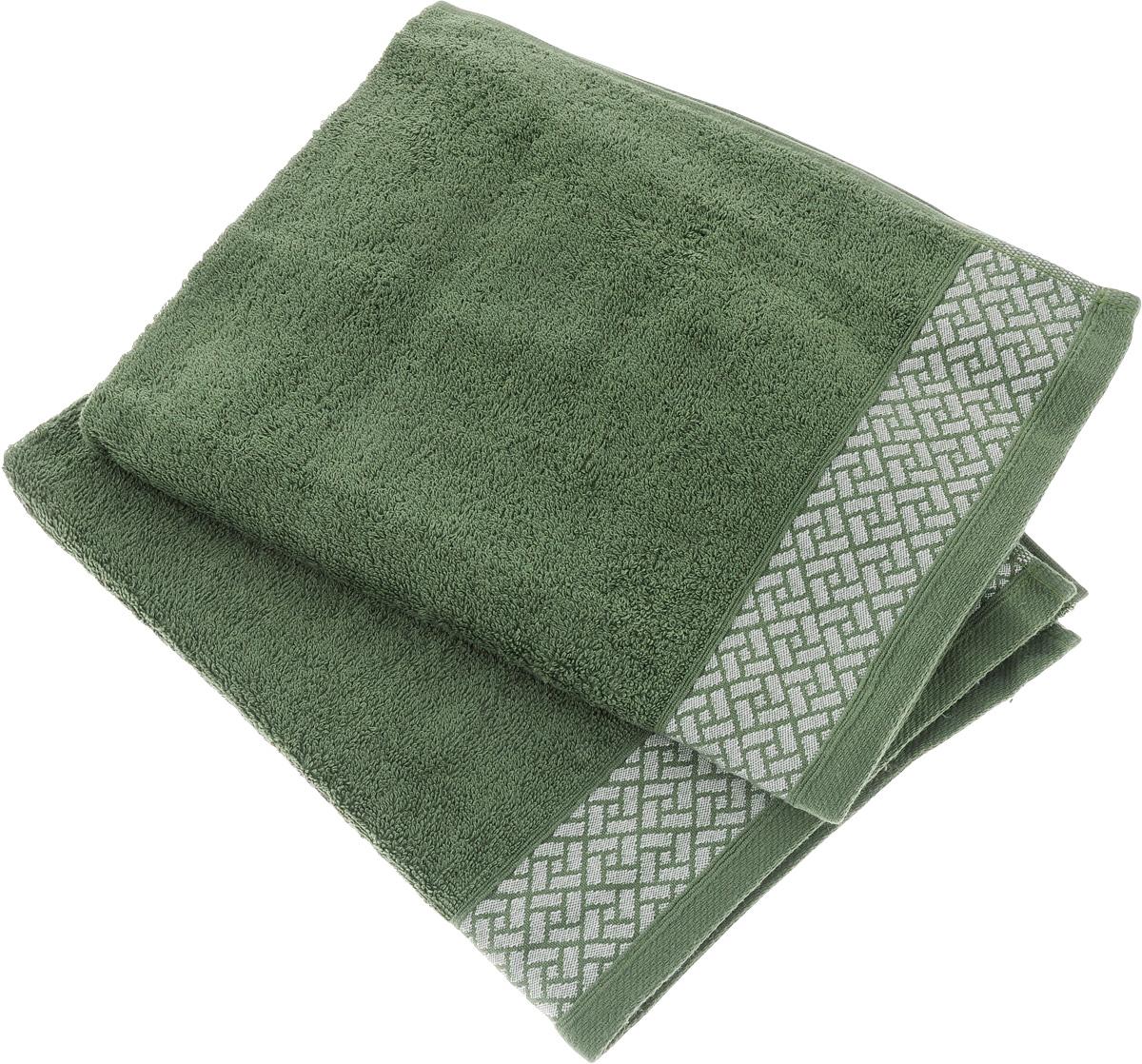 Набор полотенец Tete-a-Tete Лабиринт, цвет: зеленый, 2 шт. УНП-10568/5/3Набор Tete-a-Tete Лабиринт состоит из двух махровых полотенец, выполненных из натурального 100% хлопка. Изделия мягкие, отлично впитывают влагу, быстро сохнут, сохраняют яркость цвета и не теряют форму даже после многократных стирок.Данный дизайн был разработан, как мужская линейка, - строгие насыщенные цвета и геометрический рисунок на бордюре.Набор полотенец Tete-a-Tete Лабиринт станет прекрасным дополнением в дизайне ванной комнаты.