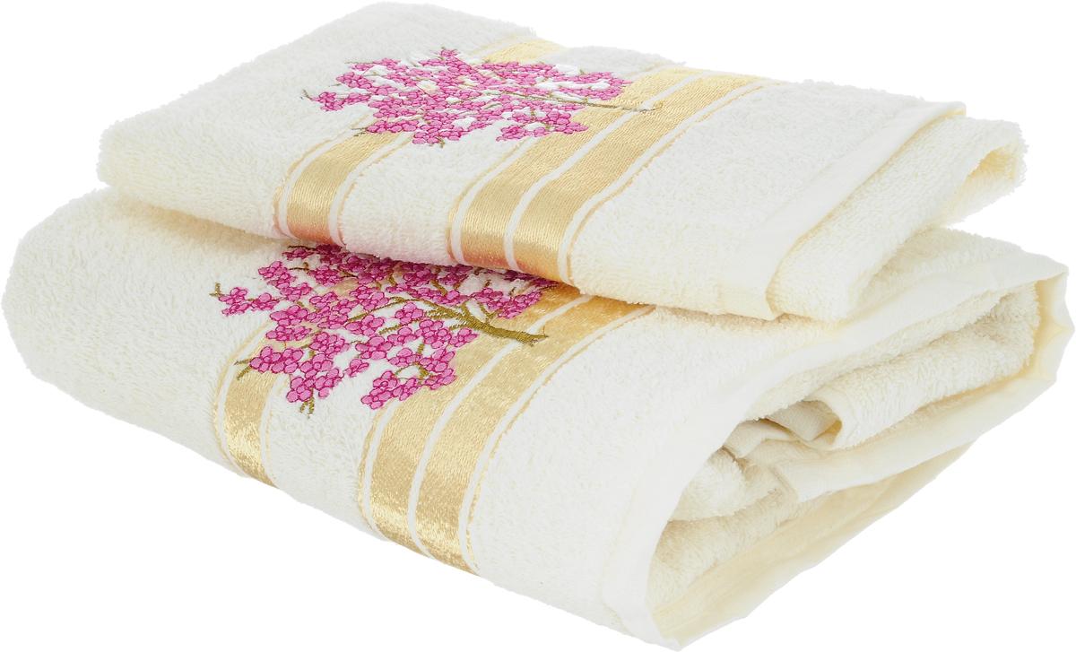 Набор полотенец Tete-a-Tete Сиреневое дерево, 2 шт1004900000360Набор Tete-a-Tete Сиреневое дерево состоит из двух махровых полотенец, выполненных из натурального 100% хлопка. Линейка Сиреневое дерево декорирована вышивкой веточки сакуры. Изделия мягкие, отлично впитывают влагу, быстро сохнут, сохраняют яркость цвета и не теряют форму даже после многократных стирок. Полотенца Tete-a-Tete Сиреневое дерево очень практичны и неприхотливы в уходе. Они легко впишутся в любой интерьер благодаря своей нежной цветовой гамме.