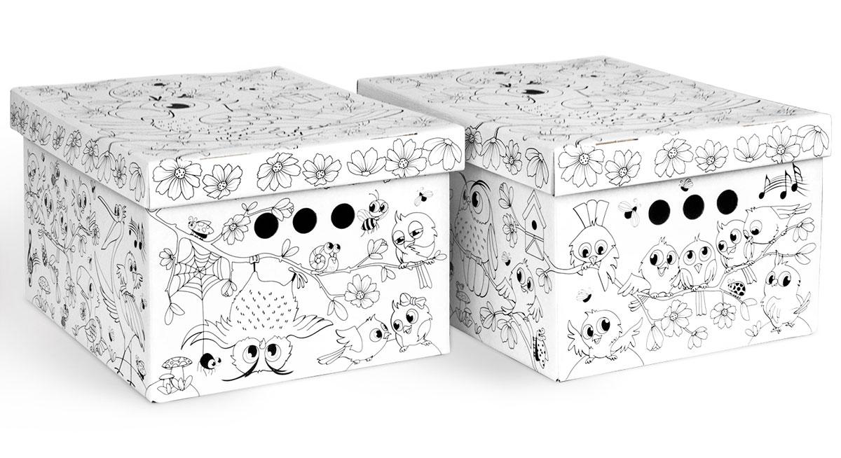 Коробка-раскраска для хранения Valiant Птички, складная, 25 x 33 x 18,5 см, 2 шт7604-27Легкие и прочные коробки Valiant Птички, выполненные из картона, оформлены черно-белыми изображениями, которые ваш ребенок может самостоятельно раскрасить. В комплект входят две коробки. Благодаря прорезным ручкам с двух сторон коробки удобно поднимать и переносить. Изделия оснащены крышками. Коробки являются самосборными, на упаковке имеется инструкция по сборке. Благодаря вместительности коробок вы сможете сэкономить место в вашем доме. Коробки подходят для хранения детских игрушек, одежды и других аксессуаров.