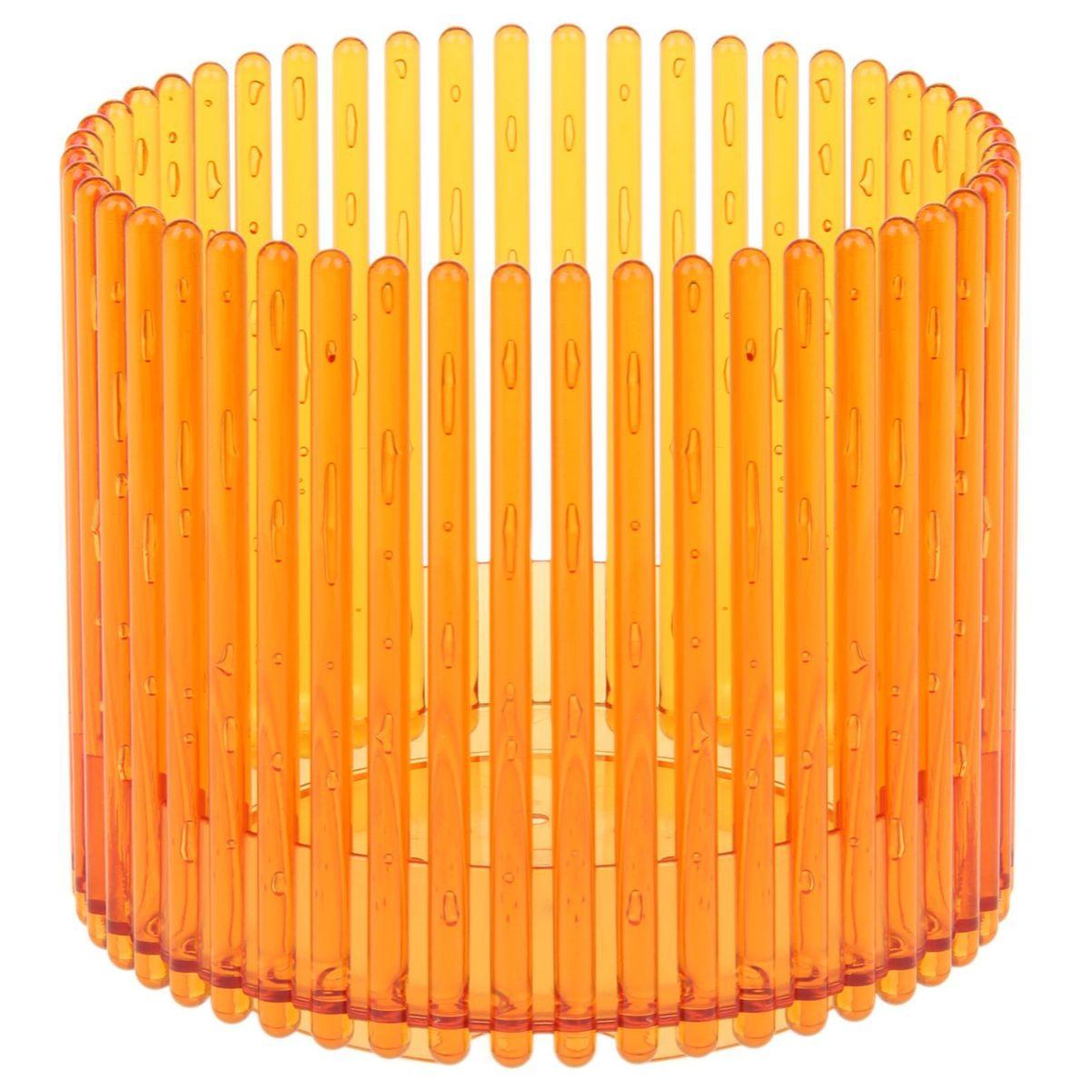 Кашпо JetPlast Шарм, цвет: желтый, 14 x 12 см1004900000360Орхидеи — красивые, но требовательные растения. Если за ними ухаживать правильно, то они будут долго радовать хозяйку своими красивыми цветочками. Горшок защитит растение от внешнего воздействия и создаст благоприятную среду для его развития. Лучшей ёмкостью для орхидей считаются пластиковые кашпо. Конструкция изделия способствует естественной циркуляции воды. А корни растения не присасываются к стенкам и получают достаточно кислорода. Горшок «Шарм» имеет ряд особенностей:сквозная форма поверхности позволяет солнечным лучам беспрепятственно попадать на корни растенияконструкция горшка создаёт близкую к естественным условиям средуобеспечивает хорошую вентиляцию для корнейборт в нижней части выполняет функцию поддона и скрывает грунтстенки надёжно защищают корневую систему цветка от переохлаждения или перегреваяркий дизайн.Качественное кашпо и правильный уход за орхидеей — всё что нужно, чтобы цветок долго радовал хозяина.