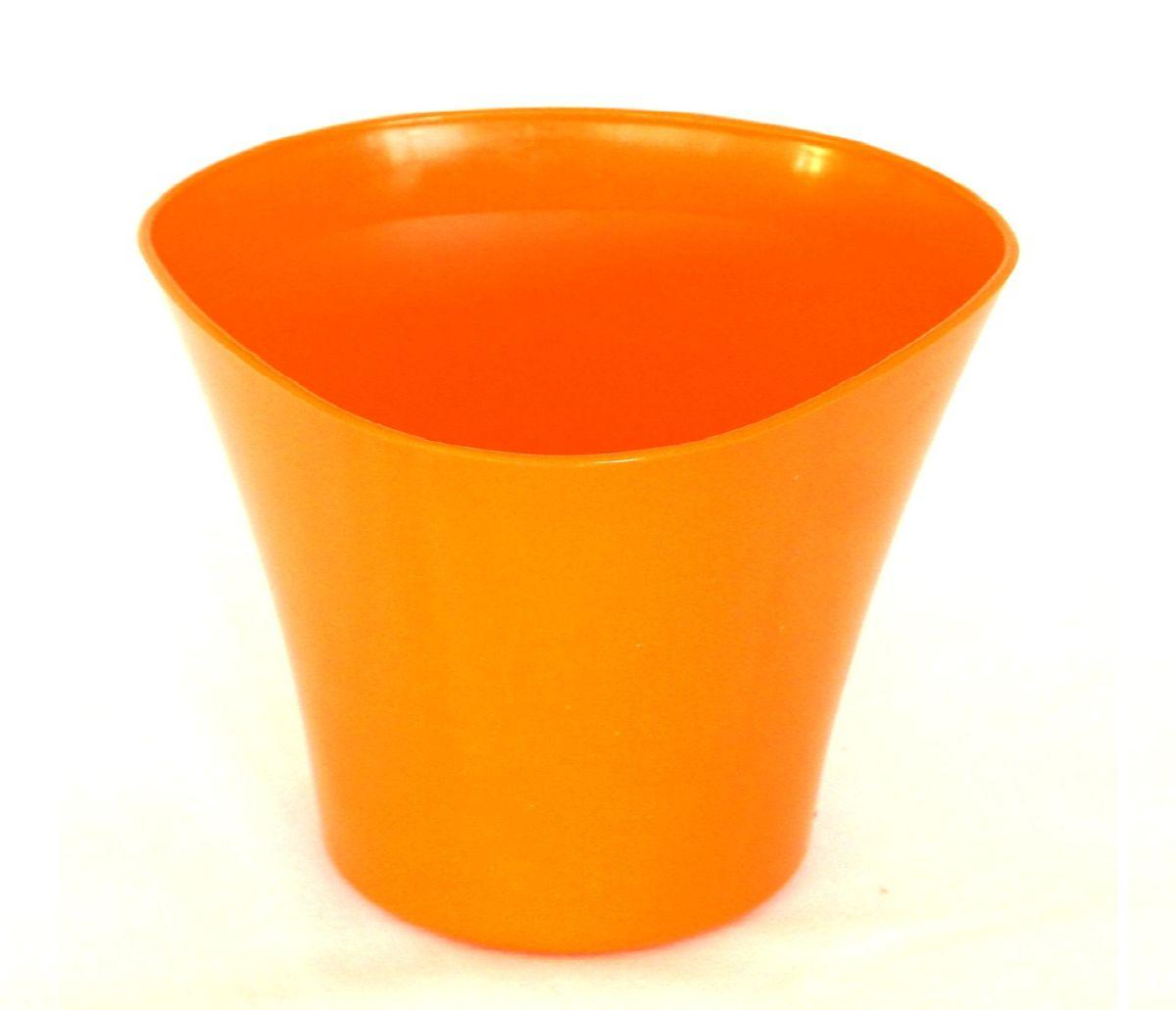 Кашпо JetPlast Волна, цвет: оранжевый, 600 мл531-402Кашпо Волна имеет уникальную форму, сочетающуюся как с классическим, так и с современным дизайном интерьера. Оно изготовлено из прочного полипропилена (пластика) и предназначено для выращивания растений, цветов и трав в домашних условиях. Такое кашпо порадует вас функциональностью, а благодаря лаконичному дизайну впишется в любой интерьер помещения. Объем кашпо: 600 мл.