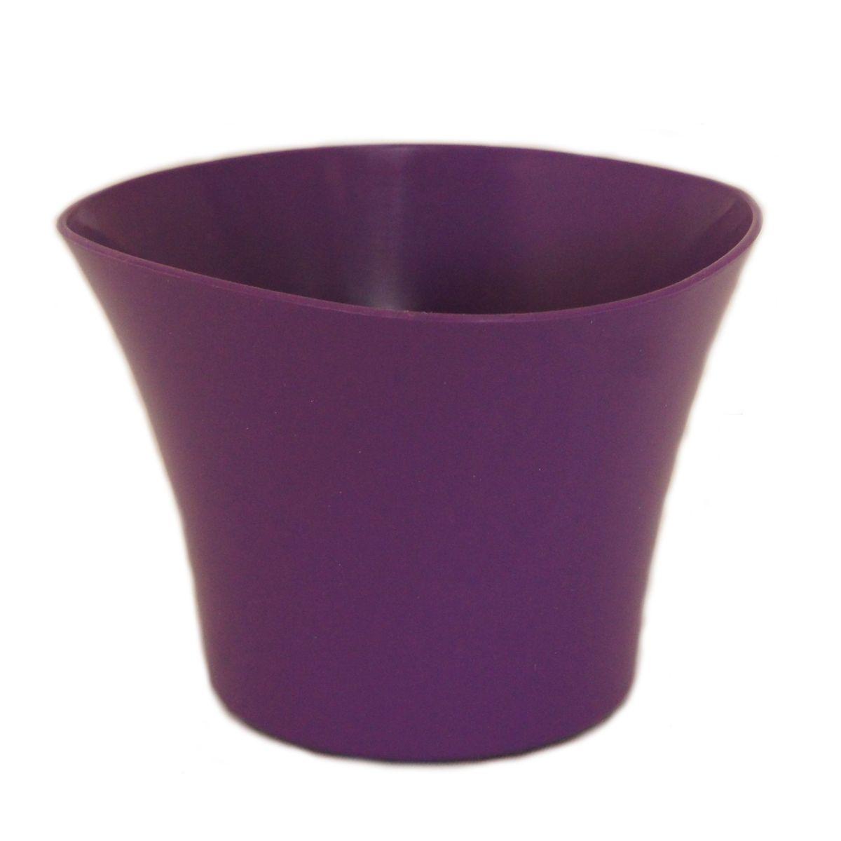 Кашпо JetPlast Волна, цвет: фиолетовый, 600 млZ-0307Кашпо Волна имеет уникальную форму, сочетающуюся как с классическим, так и с современным дизайном интерьера. Оно изготовлено из прочного полипропилена (пластика) и предназначено для выращивания растений, цветов и трав в домашних условиях. Такое кашпо порадует вас функциональностью, а благодаря лаконичному дизайну впишется в любой интерьер помещения. Объем кашпо: 600 мл.