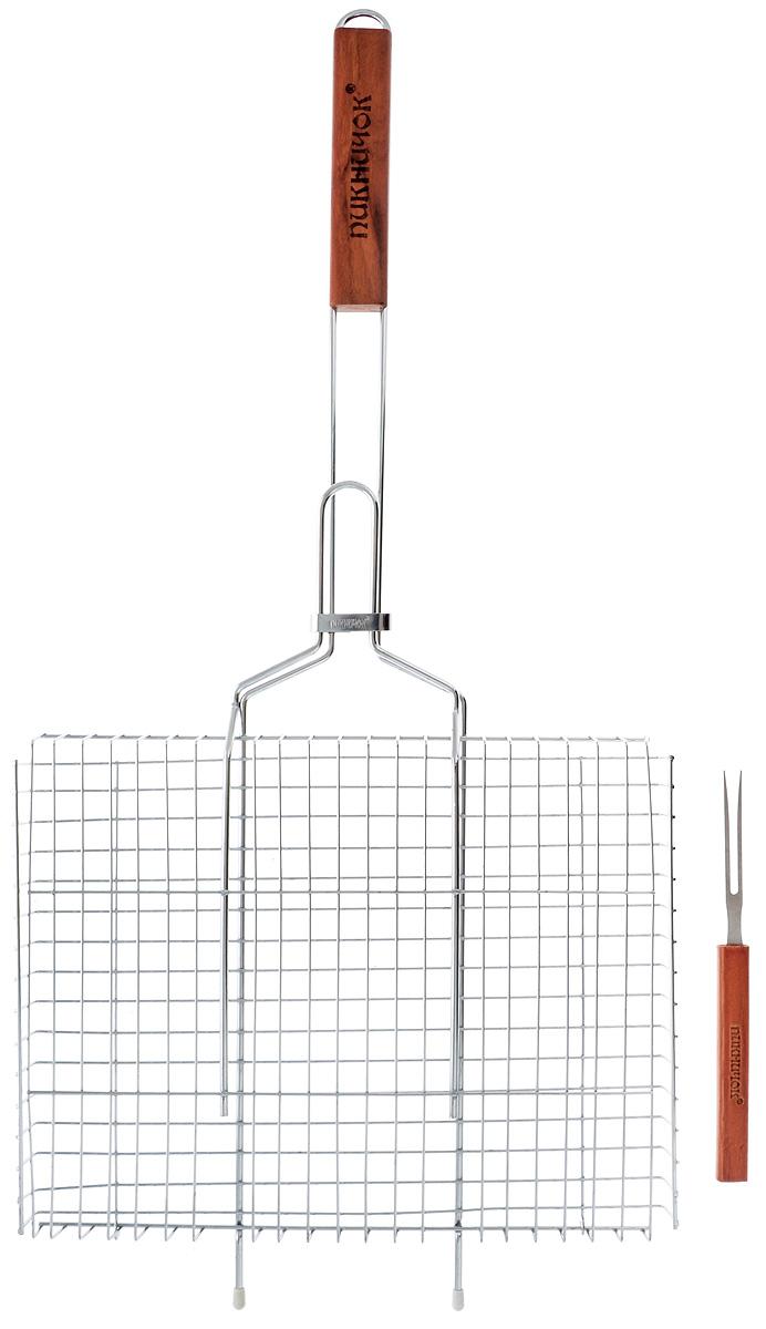 Решетка-гриль Пикничок Сибирская, глубокая, с вилкойWP 10802Решетка-гриль Пикничок Сибирская изготовлена из высококачественной стали, поэтому при длительном использовании она не теряет своей формы, а так же вы легко удалите с нее остатки пищи. В решетке-гриль удобно готовить мясо, рыбу, морепродукты и овощи. Средняя решетка-гриль Пикничок Сибирская рассчитана на небольшую компанию. Рукоятка изделия оснащена деревянной вставкой и фиксирующей скобой, которая зажимает створки решетки. Размер рабочей поверхности решетки (без учета усиков): 36 х 26,5 х 3 см.Общая длина решетки (с ручкой): 76 см.Длина вилки: 23 см.
