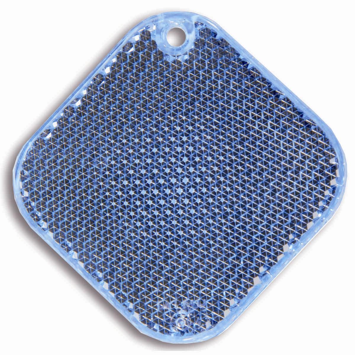 Светоотражатель пешеходный Coreflect Ромб, цвет: синийCA-3505Пешеходный светоотражатель — это серьезное средство безопасности на дороге. Использование светоотражателей позволяет в десятки раз сократить количество ДТП с участием пешеходов в темное время суток. Светоотражатель крепится на одежду и обладает способностью к направленному отражению светового потока. Благодаря такому отражению, водитель может вовремя заметить пешехода в темноте, даже если он стоит или двигается по обочине. А значит, он успеет среагировать и избежит возможного столкновения. С 1 июля 2015 года ношение светоотражателей вне населенных пунктов является обязательным для пешеходов! Мы рекомендуем носить их и в городе! Для безопасности и сохранения жизни!