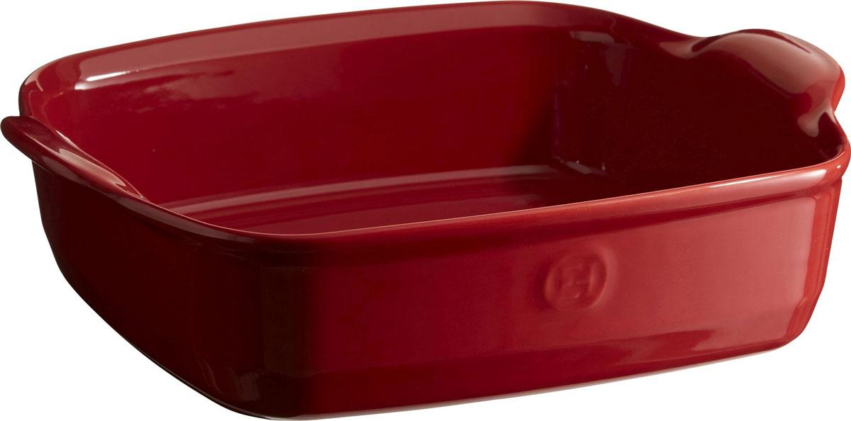 Форма для запекания Emile Henry Ultime, квдратная, цвет: гранат, 28 х 28 см54 009312Форма для запекания Emile Henry Ultime изготовлена из HR-керамики (высоко-устойчивая) и может быть использована как в морозилке (-20°C), так и в духовке (270°C) и даже на гриле. Она устойчива к ежедневным испытаниям на кухне.. Новый дизайн, стирающий границы между идеальной керамической формой для запекания и посудой для сервировки. Мягкие, щедрые формы великолепно подходят для приготовления всех видов блюд – от лазаньи до жаркого.Благодаря удобным ручкам форму комфортно извлекать из духовки. Поставьте форму на стол – это выглядит крайне элегантно.Ингредиенты блюд, приготовленных в такой форме, пропекаются равномерно, не пересыхают, долго сохраняют тепло. Высокие стенки формы позволяют приготовить щедрые порции блюд.Кромка снизу ручки обеспечивает противоскользящий эффект и лучший захват.Глазурованная нижняя часть формы является прекрасным элементом брендирования и подчеркивает фирменный стиль.