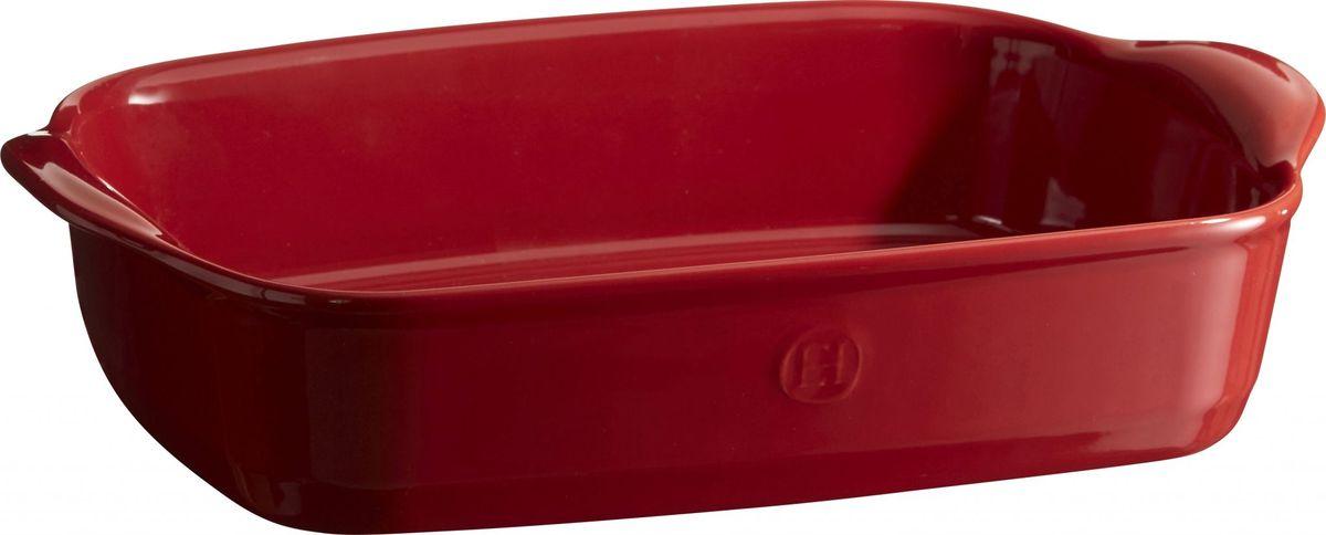 Форма для запекания Emile Henry Ultime, прямоугольная, цвет: гранат. 34965022250_красный/молочныйФормы для запекания Ultime. Новый дизайн, стирающий границы между идеальной керамической формой для запекания и посудой для сервировки. Мягкие, щедрые формы великолепно подходят для приготовления всех видов блюд – от лазаньи до жаркого.Благодаря удобным ручкам форму комфортно извлекать из духовки. Поставьте форму на стол – это выглядит крайне элегантно. Формы Ultime изготовлены из HR Ceramic (высоко-устойчивая) и могут быть использованы как в морозилке (-20°C), так и в духовке (270°C) и даже на гриле. Они устойчивы к ежедневным испытанием на кухне.Ингредиенты блюд, приготовленных в HR Ceramic пропекаются равномерно, не пересыхают, долго сохраняют тепло. Высокие стенки формы позволяют приготовить щедрые порции блюд.Широкий ассортимент 5 блюд различного размера (от индивидуальной порции до большой формы на всю семью), цвета (крем, гранат) и формы (квадратная и прямоугольная) удовлетворит запросы хозяек. Кромка снизу ручки обеспечивает противоскользящий эффект и лучший захват.Глазурованная нижняя часть формы является прекрасным элементом брендирования и подчеркивает фирменный стиль.Все 4 прямоугольный формы легко хранить, вставив друг в друга.