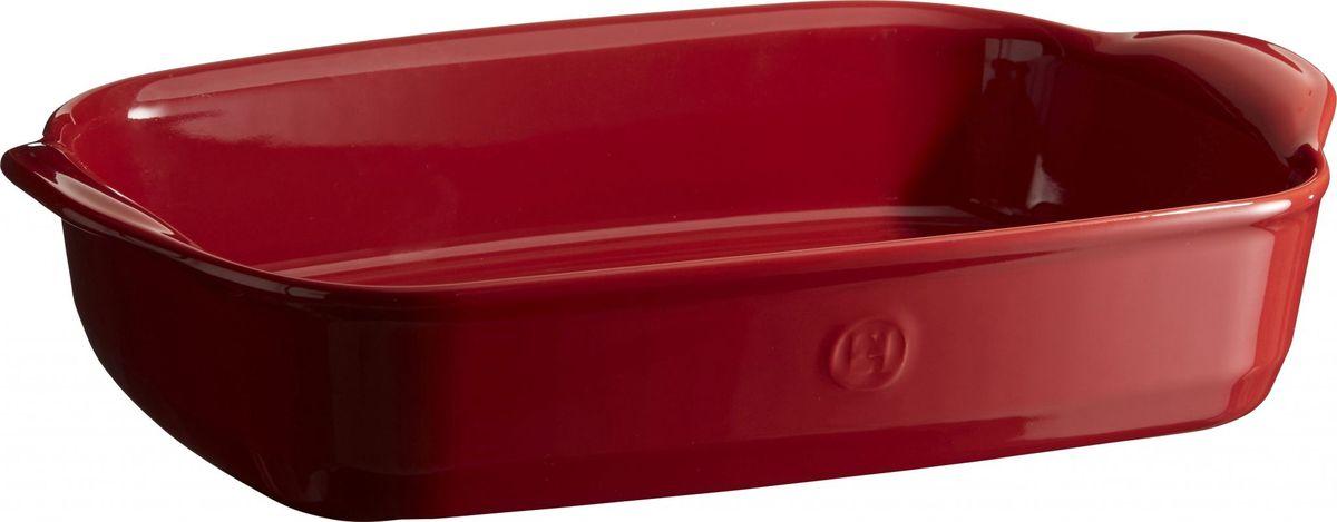 Форма для запекания Emile Henry Ultime, прямоугольная,цвет: гранат68/5/2Формы для запекания Ultime. Новый дизайн, стирающий границы между идеальной керамической формой для запекания и посудой для сервировки. Мягкие, щедрые формы великолепно подходят для приготовления всех видов блюд – от лазаньи до жаркого.Благодаря удобным ручкам форму комфортно извлекать из духовки. Поставьте форму на стол – это выглядит крайне элегантно. Формы Ultime изготовлены из HR Ceramic (высоко-устойчивая) и могут быть использованы как в морозилке (-20°C), так и в духовке (270°C) и даже на гриле. Они устойчивы к ежедневным испытанием на кухне.Ингредиенты блюд, приготовленных в HR Ceramic пропекаются равномерно, не пересыхают, долго сохраняют тепло. Высокие стенки формы позволяют приготовить щедрые порции блюд.Широкий ассортимент 5 блюд различного размера (от индивидуальной порции до большой формы на всю семью), цвета (крем, гранат) и формы (квадратная и прямоугольная) удовлетворит запросы хозяек. Кромка снизу ручки обеспечивает противоскользящий эффект и лучший захват.Глазурованная нижняя часть формы является прекрасным элементом брендирования и подчеркивает фирменный стиль.Все 4 прямоугольный формы легко хранить, вставив друг в друга.