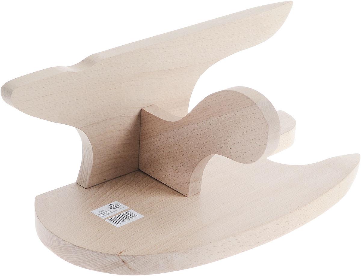 Колодка портновская, универсальная, стандартная. UN11520GC204/30Универсальная портновская колодка подходит для утюжки и отпаривания воротников, манжет и других мелких деталей одежды. Заостренный конец удобен для отпаривания угла изделия. Колодка выполнена из древесины разных пород (хвоя, дуб). Влажно-тепловая обработка имеет большое значение в улучшении качества швейных изделий и их внешнего вида. Даже кривую строчку в некоторых случаях можно исправить утюгом. Колодка облегчит утюжку в труднодоступных для утюга местах. Кроме того, твердое холодное дерево быстро впитывает пар и охлаждает ткань, способствуя закреплению формы.
