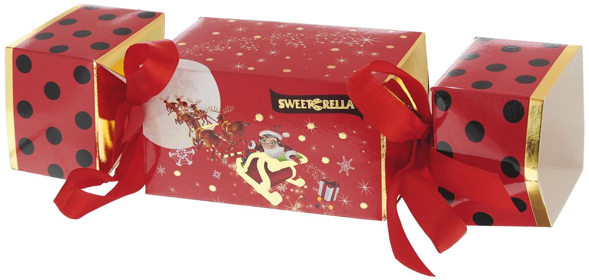Sweeterella Сладкая конфетка драже, 150 г0120710Шоколадное драже Sweeterella Сладкая конфетка в упаковке, выполненной в виде большой новогодней конфеты, перевязанной ленточками. Такой подарок доставит радость и удовольствие всем членам семьи. Уважаемые клиенты! Обращаем ваше внимание, что полный перечень состава продукта представлен на дополнительном изображении.