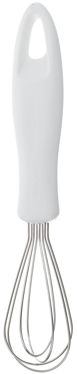 Мини-венчик Tescoma Presto, длина 18,5 см41199Мини-венчик Tescoma Presto имеет 4 проволочные петли из высококачественной нержавеющей стали, обеспечивающих эффективное перемешивание и взбивание ингредиентов. Благодаря небольшому размеру этот венчик удобно использовать в небольших мисках и чашках. Рукоятка изготовлена из высококачественного пластика и оснащена петелькой для подвеса. Можно мыть в посудомоечной машине. Длина венчика: 18,5 см. Размер рабочей поверхности: 7,5 х 3,5 см.