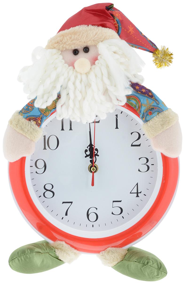 Часы настенные Новый год. Дед МорозC0038550Часы настенные Win Max Новый год. Дед Мороз красиво дополнят интерьер дома в преддверии Нового года. Часы выполнены из пластика в круглом корпусе в виде забавного Деда мороза. Изделие имеет индикацию арабскими цифрами и три фигурных стрелки. Сзади расположено отверстие для подвешивания на стену. Новогодние украшения несут в себе волшебство и красоту праздника. Они помогут вам украсить дом к предстоящим праздникам и оживить интерьер. Создайте в доме атмосферу тепла, веселья и радости, украшая его всей семьей. Часы работают от 1 батарейки типа АА (в комплект не входит).