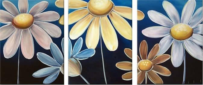 Картина Арт78 Ромашки, модульная, 90 см х 50 см. арт780003-3PM-4023Ничто так не облагораживает интерьер, как хорошая картина. Особенную атмосферу создаст крупное художественное полотно, размеры которого более метра. Подобные произведения искусства, выполненные в традиционной технике (холст, масляные краски), чрезвычайно капризны: требуют сложного ухода, регулярной реставрации, особого микроклимата – поэтому они просто не могут существовать в условиях обычной городской квартиры или загородного коттеджа, и требуют больших затрат. Данное полотно идеально приспособлено для создания изысканной обстановки именно у Вас. Это полотно создано с использованием как традиционных натуральных материалов (холст, подрамник - сосна), так и материалов нового поколения – краски, фактурный гель (придающий картине внешний вид масляной живописи, и защищающий ее от внешнего воздействия). Благодаря такой композиции, картина выглядит абсолютно естественно, и отличить ее от традиционной техники может только специалист. Но при этом изображение отлично смотрится с любого расстояния, под любым углом и при любом освещении. Картина не выцветает, хорошо переносит даже повышенный уровень влажности. При необходимости ее можно протереть сухой салфеткой из мягкой ткани.