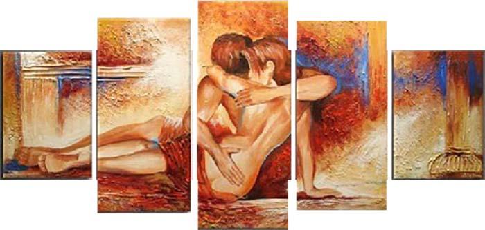 Картина Арт78 Страсть, модульная, 200 см х 120 см. арт780040арт780012-3Ничто так не облагораживает интерьер, как хорошая картина. Особенную атмосферу создаст крупное художественное полотно, размеры которого более метра. Подобные произведения искусства, выполненные в традиционной технике (холст, масляные краски), чрезвычайно капризны: требуют сложного ухода, регулярной реставрации, особого микроклимата – поэтому они просто не могут существовать в условиях обычной городской квартиры или загородного коттеджа, и требуют больших затрат. Данное полотно идеально приспособлено для создания изысканной обстановки именно у Вас. Это полотно создано с использованием как традиционных натуральных материалов (холст, подрамник - сосна), так и материалов нового поколения – краски, фактурный гель (придающий картине внешний вид масляной живописи, и защищающий ее от внешнего воздействия). Благодаря такой композиции, картина выглядит абсолютно естественно, и отличить ее от традиционной техники может только специалист. Но при этом изображение отлично смотрится с любого расстояния, под любым углом и при любом освещении. Картина не выцветает, хорошо переносит даже повышенный уровень влажности. При необходимости ее можно протереть сухой салфеткой из мягкой ткани.