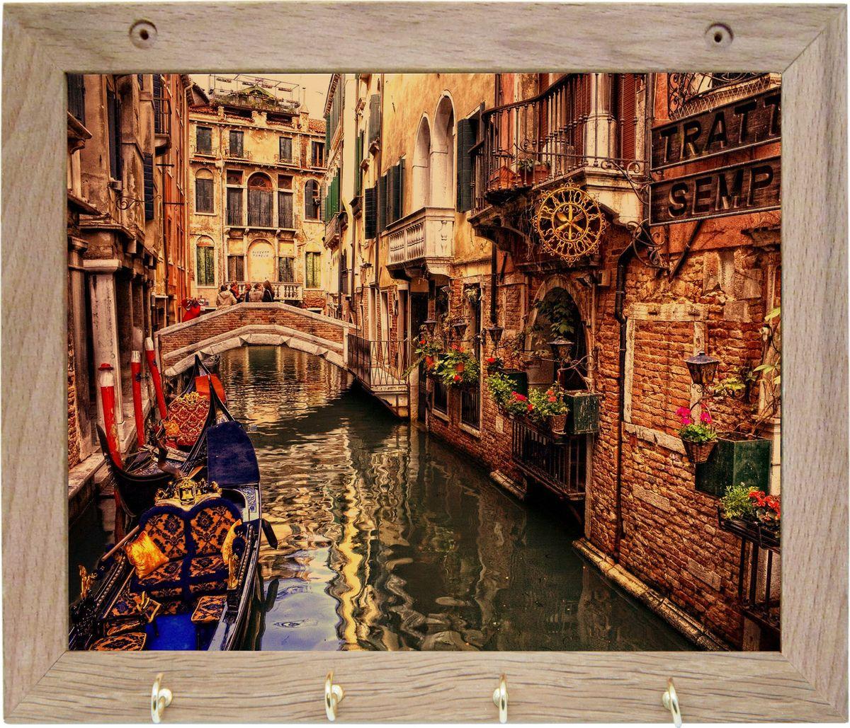 Вешалка GiftnHome Венеция, с 4 крючками, 20 х 25 смS03301004Вешалка GiftnHome Венеция в стиле Art-Casual изготовлена из натурального дерева в комбинации с модными цветными принтами на корпусе от Креативной студии AntonioK. Вешалка снабжена 4 металлическими крючками для подвешивания аксессуаров, полотенец, прихваток и другого текстиля. Это изделие больше, чем просто вешалка, оно несет интерьерное решение, задает настроение и стиль на вашей кухне, столовой или дачной веранде. Art-Casual значит буквально повседневное искусство. Это новый стиль предложения обычных домашних аксессуаров в качестве элементов, задающих стиль и шарм окружающего пространства. Уникальное сочетание привычной функциональности и декоративной, интерьерной функции - это актуальная, современная тенденция от прогрессивных производителей товаров для дома.